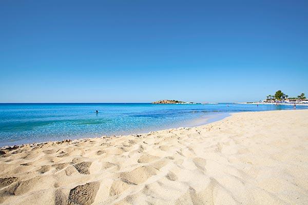 Karta Cypern Flygplats.Resor Till Solsakra Cypern Boka Din Resa Till Cypern Pa Apollo Se